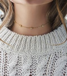 Winter looks: Dainty gold choker by Amy O Jewelry