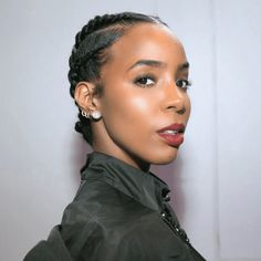 twist-outs to faux locs, here are 15 styles to try on medium-length natural hair. Click inside to see them all.From twist-outs to faux locs, here are 15 styles to try on medium-length natural hair. Click inside to see them all. Updo Cabello Natural, Natural Hair Updo, Natural Hair Styles, Natural Hair Twist Styles, Protective Styles For Natural Hair Short, Twist Out Styles, Natural Beauty, Natural Hair Twists, Medium Length Natural Hairstyles