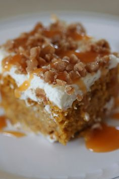 Pumpkin Poke Cake made with yellow cake mix, canned pumpkin, condensed milk. Have a yellow gluten free cake mix. Fall Desserts, Just Desserts, Delicious Desserts, Yummy Food, Thanksgiving Desserts, Cake Mix Recipes, Top Recipes, Cake Mixes, Pumpkin Dessert Recipes With Cake Mix