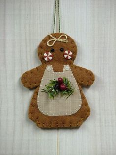 *FELT ART ~ O Christmas Tree: Gingerbread Girl Ornament