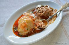 Ardei umpluti reteta strabunicii Savori Urbane (24) Romanian Food, Romanian Recipes, Good Food, Yummy Food, Bacon, Cooking Recipes, Vegetarian, Tasty, Lunch