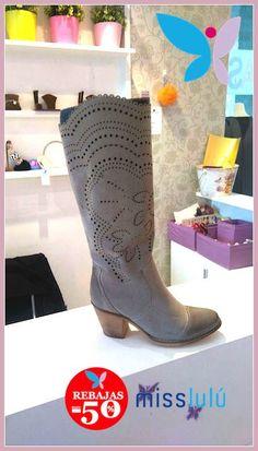 Una botas cómodas y urbanas pero, sobre todo, con carácter, mucho carácter!! #misslulú #estilo #botas #tendencias #felizmiércoles