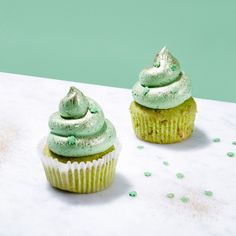 St. Patrick's Day Cupcakes with White Chocolate and Pistachios