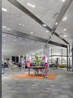 Neiman Marcus, Bal Harbour, Fla. Photography: Charlie Mayer, Chicago. More here: http://vmsd.com/content/outside-box-part-i