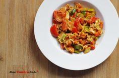Wokgemüse mit Mie-Nudeln und Cashewsauce