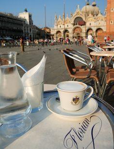 Caffè Florian, Plaza de San Marcos, Venice, Italy via @rossanagrilli3                                                                                                                                                      Más