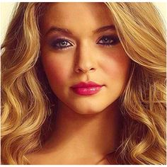Sasha Pieterse love her hair and makeup