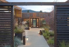 Modern courtyard house - By Balance Associates Architects in Seattle
