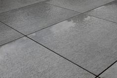 We have seen an increase of interest in Porcelain paving, and it's easy to see why. Beola Bianca Porcelain Paving looks as beautiful when wet as it does dry, which is defiantly a bonus given the typical British weather!