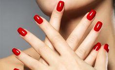 Beauté des mains et pose de vernis classique ESSIE ou vernis semi permanent OPI