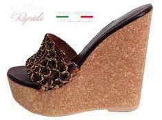 Zeppa donna collezione Estate-Inverno 2019   LA RAPIDA Flip Flop Shoes, Flip Flops, Cork Wedges, Ciabatta, Clogs, Concept, Sexy, Fashion, Wedges
