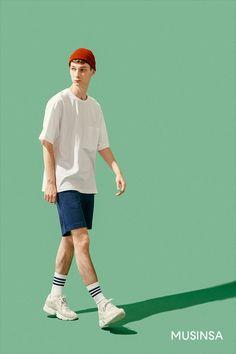 무신사 스탠다드와 함께 즐기는 핫 서머 Human Poses Reference, Pose Reference Photo, Body Reference, Mode Masculine, Fashion Poses, Fashion Outfits, Figure Poses, Cool Poses, Poses References