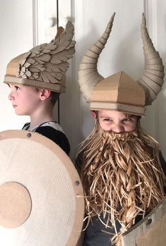 DIY Cardboard Costume Viking Helmet with Horns wings and horns Cardboard Costume, Cardboard Crafts, Paper Crafts, Cardboard Boxes, Paper Hat Diy, Viking Costume Diy, Diy For Kids, Crafts For Kids, Diy Crafts