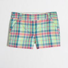 Crew Madras Shorts Size 6 Adorable J.Crew shorts in madras signature print. Looks great with anything! Perfect for summer. This print is completely sold out! Worn only once. Plaid Shorts, J Crew Summer, Look Con Short, J Crew Shorts, Shorty, Fashion Tips, Fashion Design, Fashion Trends