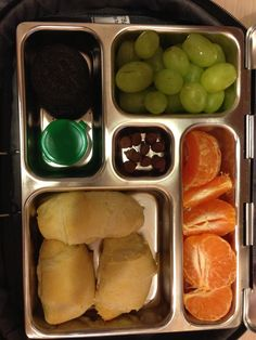 23 Sept Lunch- pigs in a blanket (turkey dogs), cutie, grapes, who knew cookie and chocolate morsels. :)