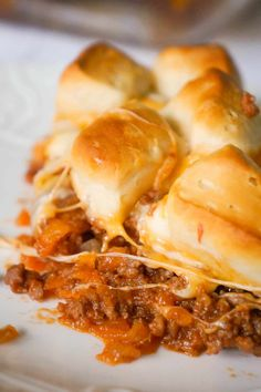 Sloppy Joe Biscuit Casserole - This is Not Diet Food Sloppy Joe Biscuit Casserole is an easy ground beef casserole recipe loaded with French's fried onions, shredded mozzarella, cheddar and topped with Pillsbury biscuit pieces. Beef Casserole Recipes, Noodle Casserole, Doritos Casserole, Cornbread Casserole, Hamburger Recipes, Steak Casserole, Goulash Recipes, Hamburger Casserole, Pork Recipes
