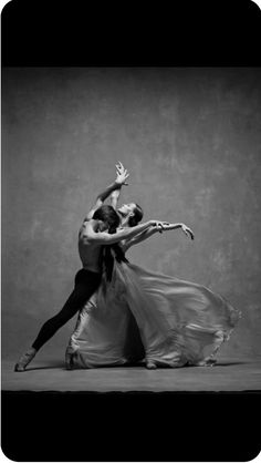 Dance and live Ballet Poses, Dance Poses, Tango Dancers, Ballet Dancers, Shall We Dance, Just Dance, Ballet Couple, Dance Movement, Ballet Photography