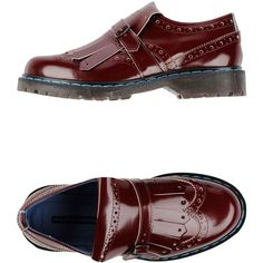 Philippe Model Moccasins (270 BRL) ❤ liked on Polyvore featuring shoes, loafers, maroon, leather moccasins, real leather shoes, shiny shoes, moccasin shoes and buckle shoes