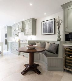 Dining nook with beadboard base and backing - Family Kitchen Diner - Tom Howley Kitchen Booths, Kitchen Seating, Kitchen Benches, Kitchen Nook, Kitchen Dining, Banquette Seating, Dining Room, Kitchen Ideas, Kitchen Decor