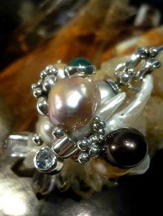 Gargantilla: Barroque  Colección: Diamond  Materiales: Plata 925, Perla de Tahití, Turmalina, Perlas Barrocas y Diamante.