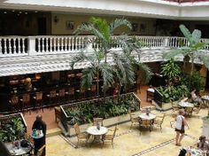 Iberostar Parque Central: Hotel lobby
