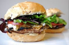Portobello Mushroom & Caramelized Onion Burgers @ Nutritionist in the Kitch