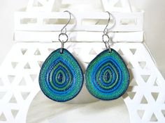 Hey, I found this really awesome Etsy listing at https://www.etsy.com/listing/211092865/quilled-paper-earrings-teardrop-earrings