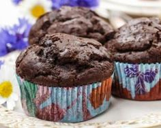 Muffins au chocolat et courgette pour brûler les graisses Chocolate muffins and zucchini to burn fat: www.fourchette-and … Related posts: No related posts. Pie Co, Cookies Light, Elegant Cupcakes, Ice Cream Candy, Light Desserts, Lunch Box Recipes, Chocolate Muffins, Sweet Recipes, Delicious Desserts