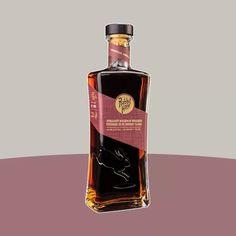 Best Bourbon Whiskey, Bourbon Liquor, Bourbon Drinks, Liquor Bottles, Perfume Bottles, Expensive Whiskey, Alcohol Spirits, Best Bourbons, Strong Drinks