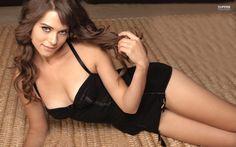 Camilla Luddington - she uses the best eye cream: http://imgur.com/a/UUw3V