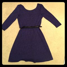 Dress 3/4 length dress with adjustable belt. Flowy at the bottom. Back is a V.  Dark blue wth black. Worn once. From top of sleeve to bottom its about 33 inches. Kohls Dresses Mini