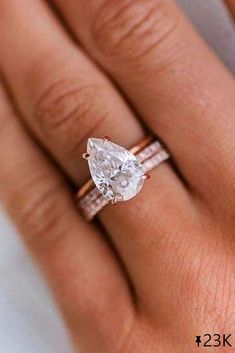 21 Stunning Pear Shaped Engagement Rings ❤ Pear shaped engagement rings are very common. A lot of women prefer this style. Browse the gallery and get inspiration. Find your ring! #ohsoperfectproposal #diamondrings #weddingrings #proposalideas #haloengagementrings #simpleengageemntrings #rosegoldrings #classicrings #pearcutrings #rosegoldengagementrings #paveband #pearshapedrings Pretty Wedding Rings, Pear Wedding Ring, Wedding Ring Sets Unique, Wedding Rings Vintage, Wedding Bands, Vintage Rings, Vintage Men, Cute Engagement Rings, Pear Shaped Engagement Rings