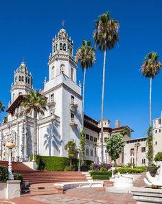 Hearst Castle, CA San Simeon, San Luis Obispo County, Scotland Castles, Monterey Bay, Beautiful Castles, California Travel, Palaces, Travel Usa, Places To See
