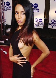 Aaliyah (real name Aaliyah Dana Haughton) Rip Aaliyah, Aaliyah Style, Aaliyah Songs, Rihanna, Beyonce, Christina Aguilera, Beautiful Black Women, Beautiful People, Jennifer Lopez