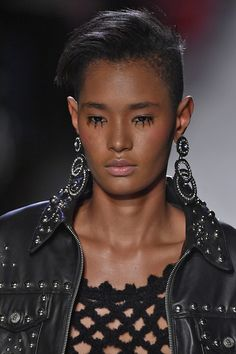 Jeremy Scott Fall 2017 Ready-to-Wear Details - Fashion Unfiltered