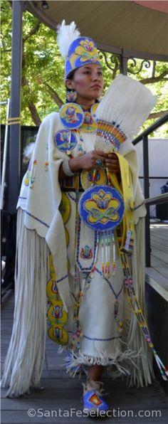 Navajo Traditional Women's Costume. http://santafeselection.com/blog/2013/08/20/santa-fes-indian-market/