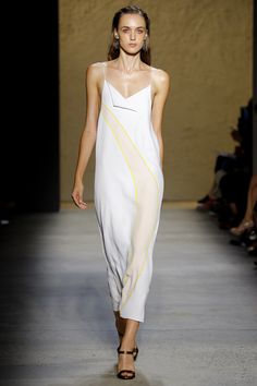 Narciso Rodriguez Spring 2016 Ready-to-Wear Fashion Show: Absolutely in love with this dress