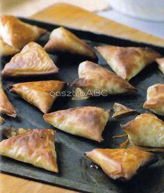 Sajtos táskák | Receptek Spanakopita, Feta, Ethnic Recipes