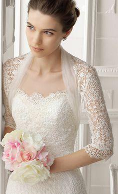 Robe de Mariée à manches mi-longues en dentelle. Classique. wedding dress gown wedding dresses