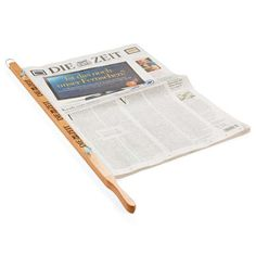 ZEIT-Zeitungshalter | Für ihn | Geschenkefinder | DIE ZEIT Shop - Besondere Ideen, erlesene Geschenke