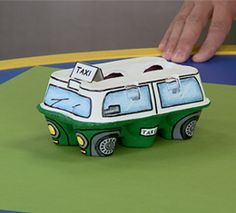 Transport by road - Easy DIY Crafts Recycled Crafts Kids, Recycled Art Projects, Easy Diy Crafts, Fun Crafts, Crafts For Teens To Make, Diy For Kids, Art Attack Disney, Craft Activities For Kids, Infant Activities