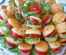 Veľkonočné žabky Appetizer Recipes, Snack Recipes, Appetizers, Cooking Recipes, Healthy Recipes, Mini Burgers, Bulgarian Recipes, Party Buffet, Food Humor