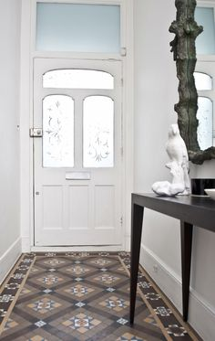 Edwardian bright family home in North London Park Avenue. Edwardian Hallway, Hall Tiles, Tiled Hallway, Victorian Tiles, Victorian Farmhouse, Modern Victorian, Hall Flooring, Flur Design, Houses