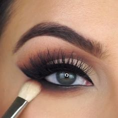 10 Makeup Tips to Make You Look Gorgeous! Winged Eyeliner gorgeous Makeup tips Prom Eye Makeup, Eyebrow Makeup Tips, Makeup Eye Looks, Glam Makeup Look, Eye Makeup Steps, Gorgeous Makeup, Makeup Hacks, Eyeshadow Makeup, Gorgeous Gorgeous