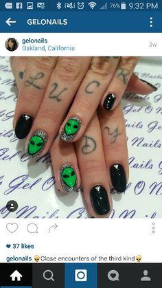 Idea Alien Nails, Nail Colors, Nail Art, Turquoise, Fingers, Hair And Beauty, Nail Arts, Nail Tip Colors