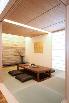 Having a neat and comfortable Japanese living room is everyone's dream. With the right decor and design, guests who visit will get their own satisfaction and comfort in your home. The idea and design of the living room should consider… Continue Reading → Modern Japanese Interior, Japanese Furniture, Japanese Interior Design, Interior Modern, Japanese Living Room Decor, Zen Interiors, Tatami Room, Asian Home Decor, Japanese House