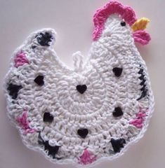 Crocheted Chicken Potholder Made from Cotton Yarn Chicken Crochet Potholder, Crochet Potholder Patterns, Crochet Chicken, Crochet Quilt, Crochet Dishcloths, Crochet Chain, Love Crochet, Knit Crochet, Crochet Crafts