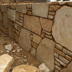 Masonry Work, Stone Masonry, Stone Veneer, Stone Wall Design, Wall Decor Design, Dry Stone, Brick And Stone, Stone Pavement, Earth Bag Homes