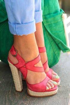 Sandali con tacco alto fuxia