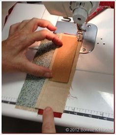 "Precise ""strip"" sewing for patchwork Quilting Tools, Quilting Tutorials, Machine Quilting, Quilting Designs, Sewing Tutorials, Quilting Ideas, Patchwork Quilting, Quilting Projects, Techniques Couture"